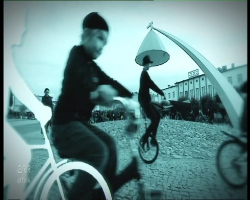 Bicycle-ballet at Rakvere town square for Pärt's 75th birthday